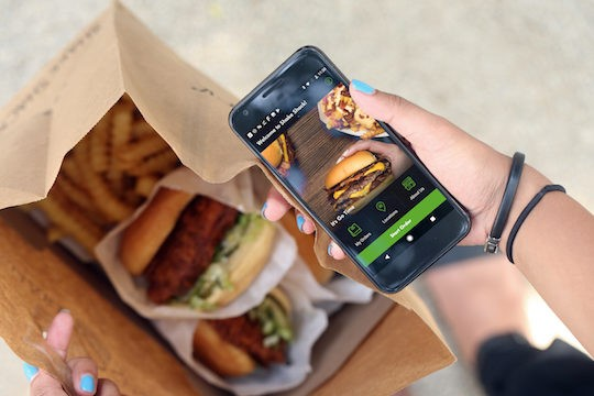 Shake Shack - Discover the Application of One of the Largest Fast Food Chains in America